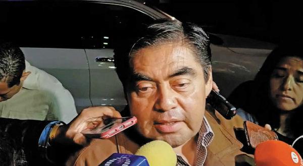 OPTIMISTA. Barbosa fue el último en llegar al hotel donde se dieron a conocer los resultados. Foto: Pablo Salazar