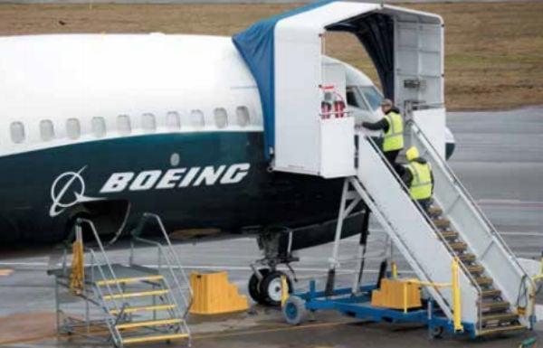 Aviones de diferentes partes del mundo están en revisión. FOTO: AFP