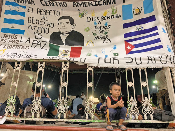 CHIAPAS. A diferencia de otros grupos, esta caravana se organizó y partió desde territorio mexicano con rumbo al norte del país. Foto: JENY PASCACIO