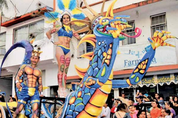 MAGIA. El carnaval es uno de los atractivos turísticos de Ixtapan de la Sal. Foto: Especial