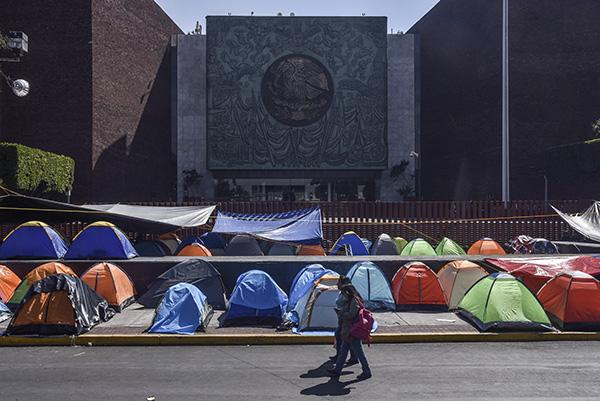 De acuerdo con la convocatoria de la CNTE, las movilizaciones se realizarán en inmediaciones de la Cámara de Diputados. FOTO: CUARTOSCURO