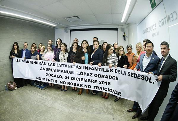 """""""Le pedimos: no desmantelen las estancias infantiles, no le den la espalda a las niñas y a los niños"""", afirmó Vázquez Mota. FOTO: TWITTER"""