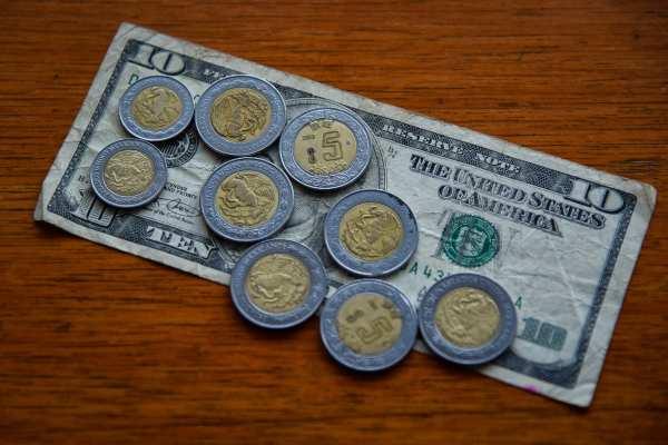 El billete verde se compra en 17.67 pesos. Foto: Archivo | Cuartoscuro