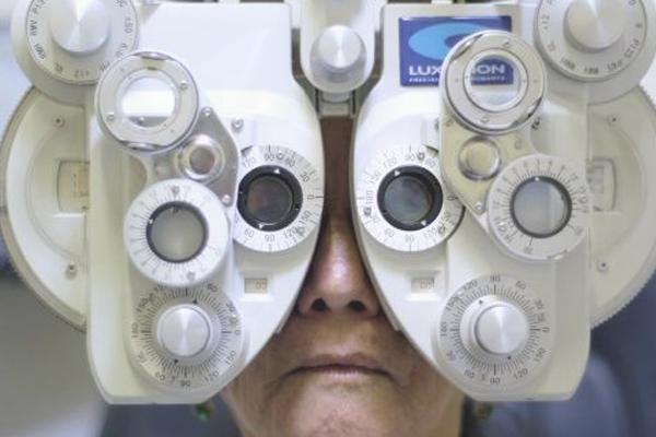 La diabetes, uso deesteroides y cortisona, así como la miopía son factores de riesgo. FOTO: ESPECIAL