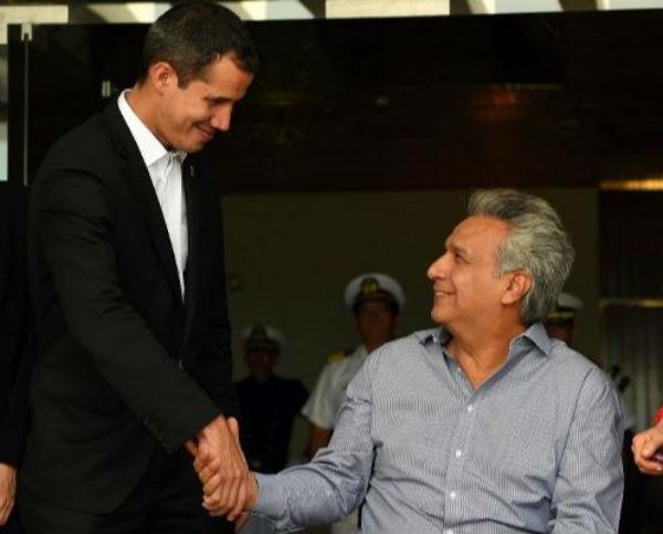 VISITA. Guaidó se reunió con el presidente Moreno. Foto: AFP