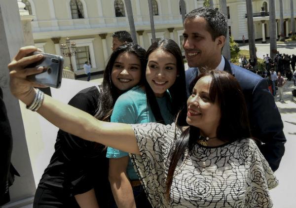 OPOSICIÓN. Guaidó recorrerá el interior de Venezuela para alistar una movilización nacional. Foto: AFP