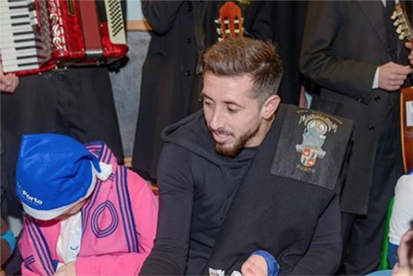 De acuerdo con el diario español Marca, la directiva de este equipo ya llegó a un acuerdo con Herrera para que firme con ellos.FOTO: INSTAGRAM