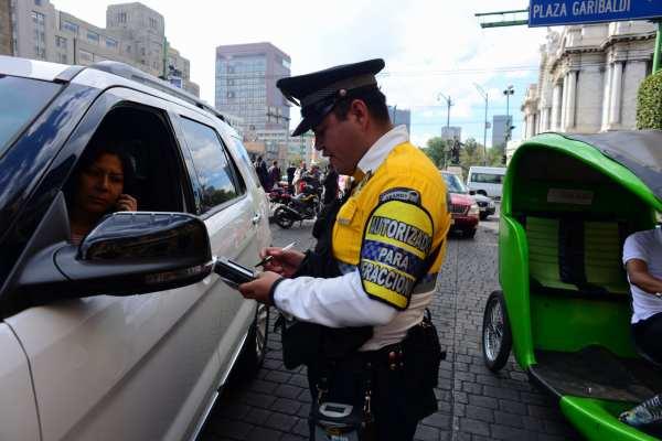 Las multas son parainfracciones por límites de velocidad, estacionamientos en sitios públicos y circulación en carriles exclusivos. Foto: Archivo | Cuartoscuro