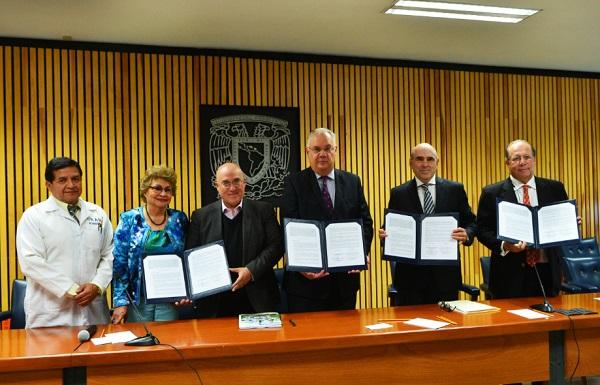En el convenio, la UNAM se compromete a revisar la proyección, estrategia y desarrollo de productos farmacéuticos. Foto: Especial