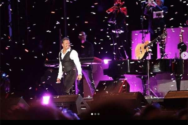 Medios de Panamá destacaron que que la actitud del cantante durante el concierto no fue la mejor, ya que mostró desinterés y casi no interactuó con el público.FOTO: INSTAGRAM