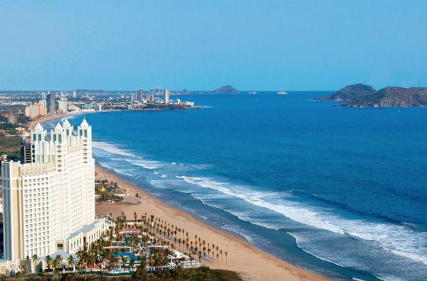El Malecón de Mazatlán mide más de 20 km lo que lo convierte en uno de los más grandes del mundo. Foto: Especial