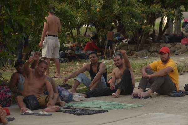 Los migrantes partieron a temprana hora hacia Mapastepec. Foto: Cuartoscuro