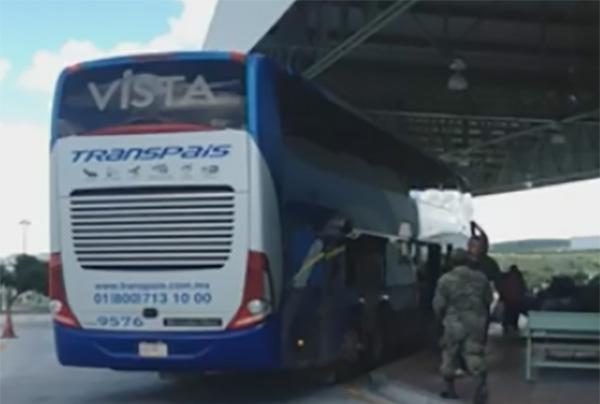 La hora de llegada del autobús de la cual se tiene registro es 11:14 horas y la Sedena descartó que éste hubiera sido vigilado por alguna patrulla.