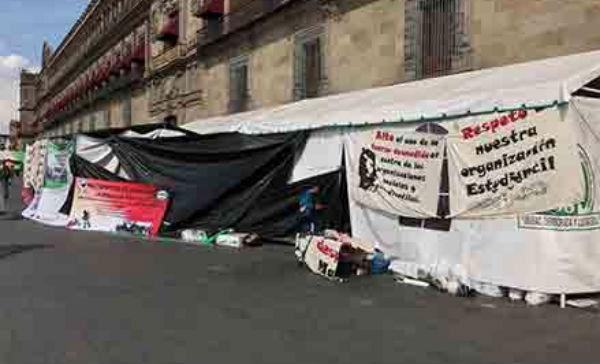 Los desplazados llegaron a la capital para solicitar  una audiencia con autoridades del gobierno federal.FOTO: ESPECIAL