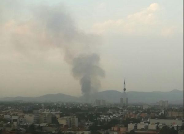 El incendio podía verse desde distintos puntos de la Ciudad de México. FOTO: ESPECIAL