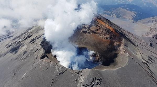 En las últimas 24 horas, los sistemas de monitoreo del volcán Popocatépetl registraron 119 exhalaciones acompañadas de vapor de agua, gases volcánicos. Foto: Especial