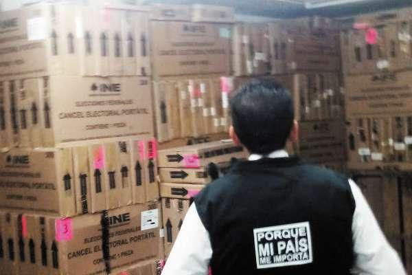 En el INE continúan con los preparativos para la elección. Foto: Especial