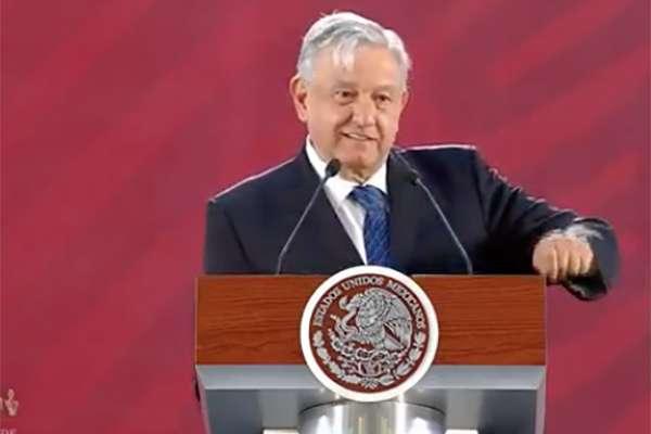 En Palacio Nacional, López Obrador comentó que no se busca que las obras importantes caigan en empresas que no tengan capacidad profesional.