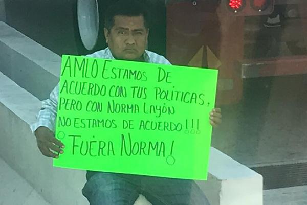 En días pasados, en el mismo municipio poblano, comerciantes de la entidad bloquearon las calles contra la servidora pública. Foto: Rosa Elena Soto
