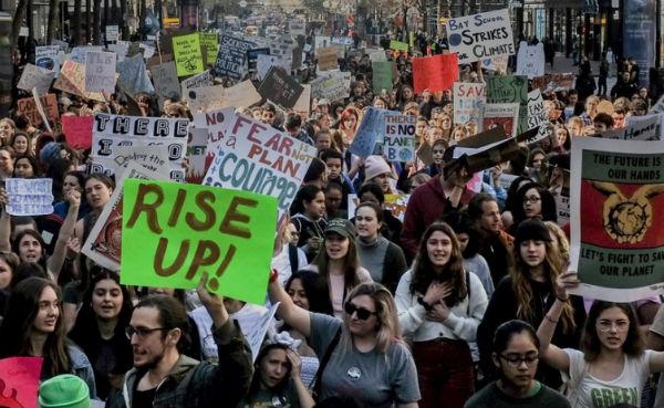 En todo el mundo, estudiantes reclamaron acciones concretas. FOTO: ESPECIAL