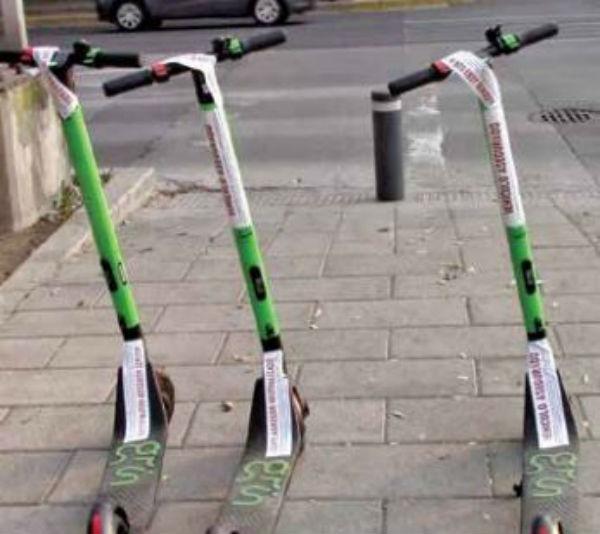 RESISTENCIA II. Colonos inconformes con las bicis sin anclaje y scooters neutralizaron unidades del Grin y Mobike. Foto: Especial