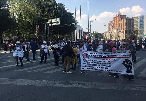 Autoridades viales han alertado a los automovilistas sobre la manifestación y han dado como alternativas Circuito Interior y Eje 1 Poniente.
