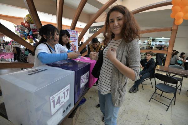 Se prevé que hoy se den a conocer los resultados de la de la encuesta interna de Morena. Foto: Cuartoscuro