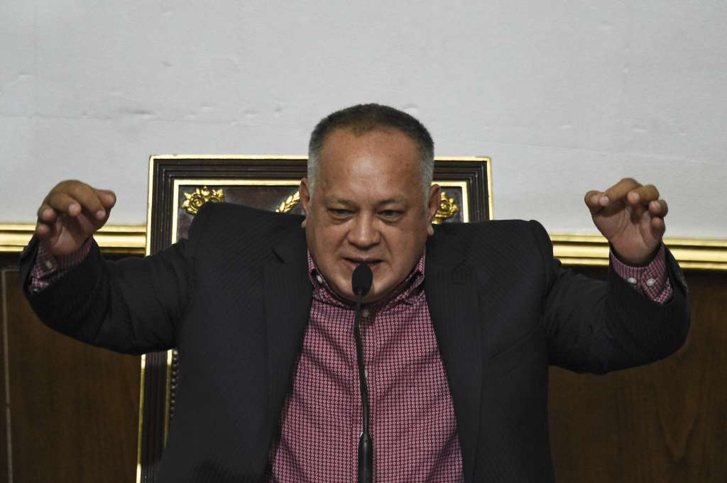 Diosdado Cabello anunció la medida contra el líder opositor. FOTO: AFP