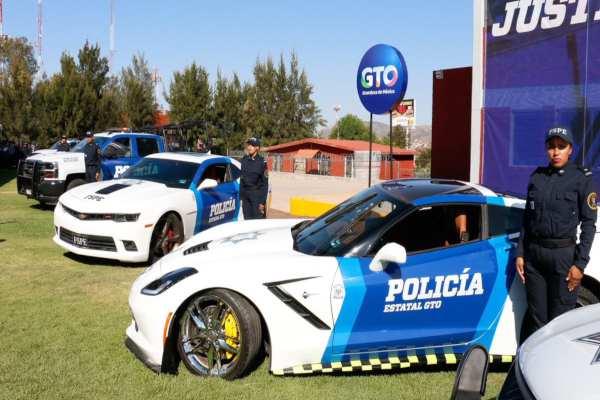 Los vehículos, que darán seguridad a los ciudadanos de Guanajuato, fueron confiscados al crimen organizado. Foto: diegosinhue