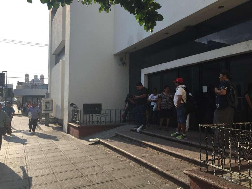 Algunos restaurantes y oficinas afectadas por el corte de electricidad.