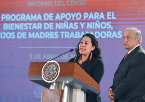 La secretaria del Bienestar, María Luisa Albores, rindió su informe en Palacio Nacional. FOTO: NAYELI CRUZ