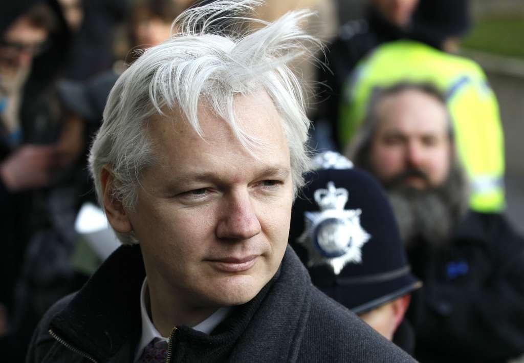 Julian Assange fue detenido este jueves; podría ser extraditado a Estados Unidos. Foto: AP