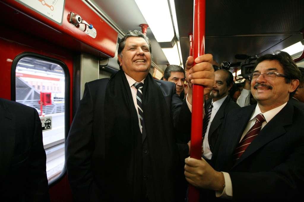 Alan García era investigado por supuestamente haber recibido sobornos de Odebrecht para quedarse con una licitación del Metro. Foto: AP