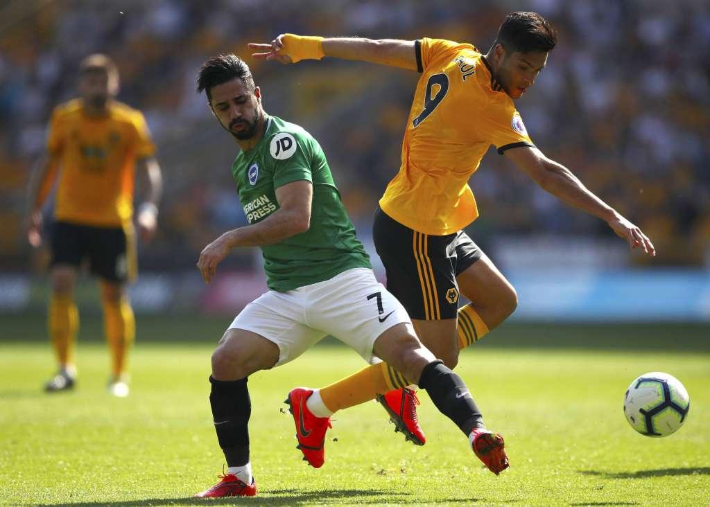 El mexicano Raúl Jiménez jugó los 90 minutos del encuentro en el Molineux. Foto: AP