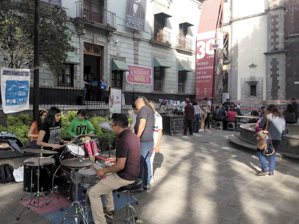 ACTIVIDAD. Programas artísticos y talleres móviles de grabado se ofrecerán semanalmente en la plaza. Foto: Cortesía