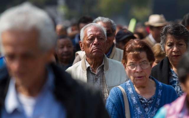 Consideran que la causa es la baja contribución que pide el régimen actual de pensiones a los trabajadores mexicanos. Foto: Cuartoscuro