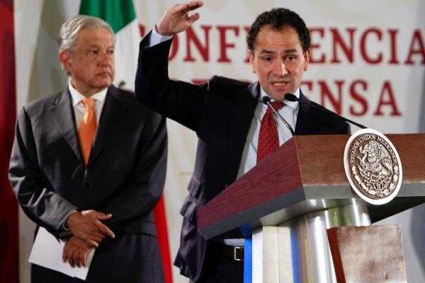 Arturo Herrera en conferencia matutina