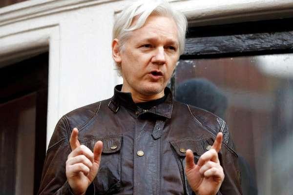 Julian Assange tendrá que rendir cuentas a la justicia británica, dijo Moreno.FOTO:AP