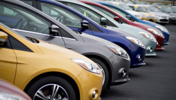 Datos del INEGI señalan que 65 por ciento de los vehículos que se comercializan en México son importados de países como Estados Unidos, China y la India. FOTO: ESPECIAL