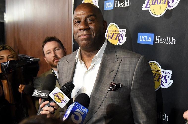 El Magic, dejó a los Lakers luego de que el equipo fracasara nuevamente. FOTO:ESPECIAL