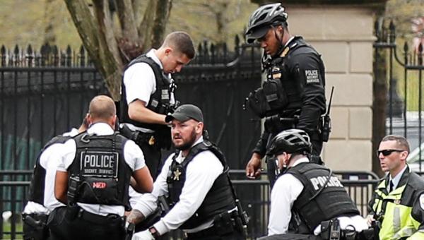 Agentes del Servicio Secreto auxiliaron al sujeto en la residencia de EU. Foto: Reuters