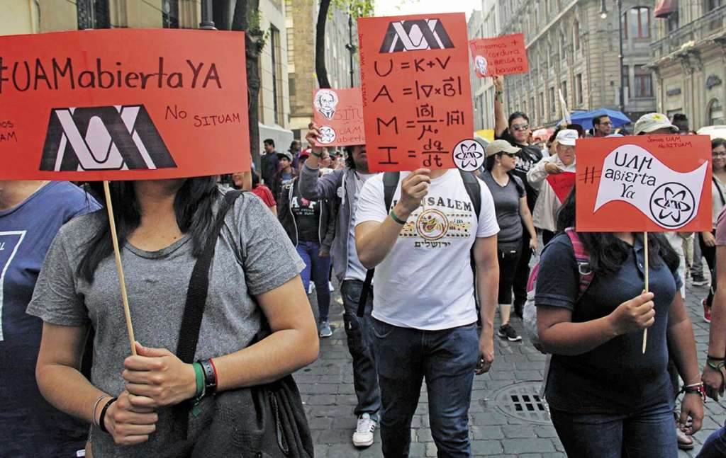 Los maestros criticaron que los sindicalistas no sean mayoría y tengan cerrada la institución