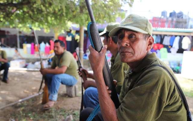 El líder de la Upoeg consideró que cualquier persona puede usar armas en el Estado de Guerrero pues las consiguen fácilmente. Foto: Cuartoscuro