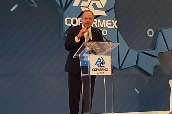 La medida llevaría a un hacia un Estado obeso, ineficiente y controlador, afirmó De Hoyos. Foto: Twitter