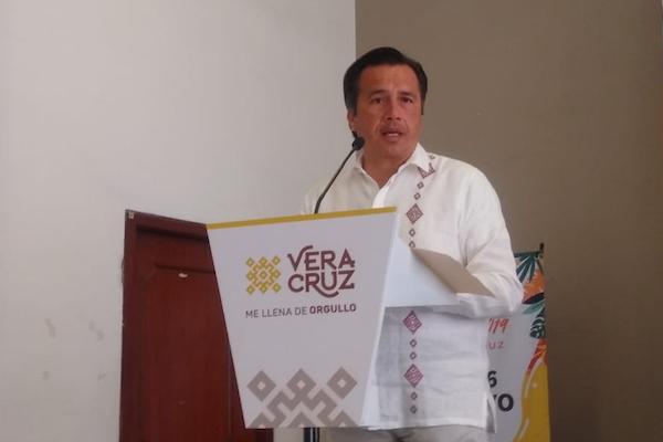 El mandatario veracruzano presentó en la Ciudad de México el programa del