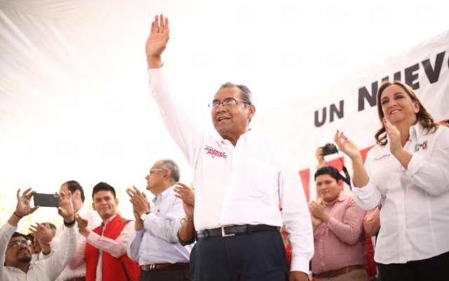 Alberto Jiménez Merino dijo que no caerá en el juego de las encuestas que pone a Morena como favorito. Foto: @jimenezmerinomx