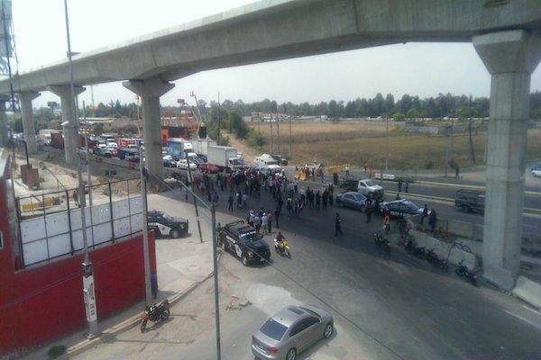 Los manifestantes están a la altura de Ocoyoacac; la circulación es complicada. Foto: PF Carreteras