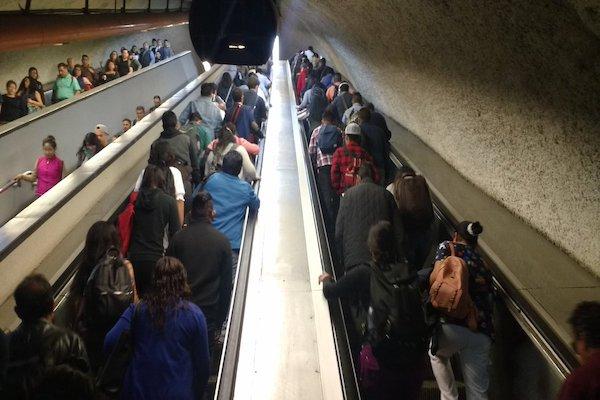 El Metro pide a los usuarios anticipar su salida. Foto: Twitter