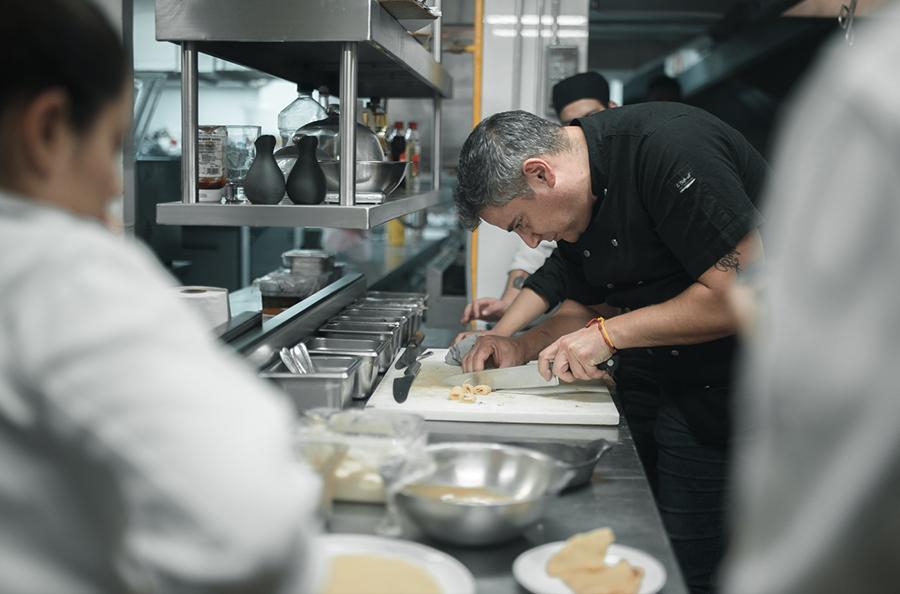 Para el chef Dante, su cocina es sencilla y no trata de de descubrir el hilo negro para sorprender. Foto: Cortesía Restaurante Dante Brasa y Fuego