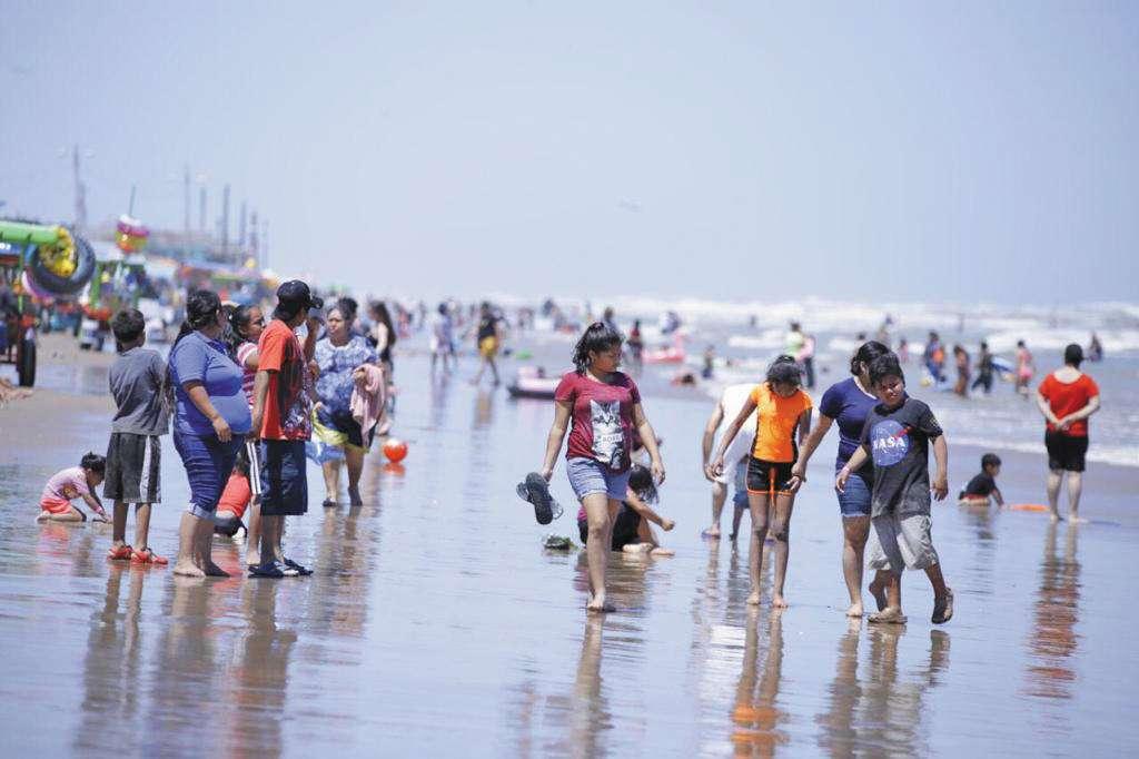 Los destinos de playa son los favoritos de los paseantes.FOTO: ESPECIAL